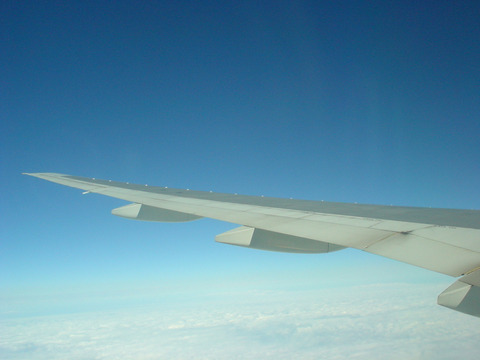 雲の上は、いつも気持ちの良い青空です。