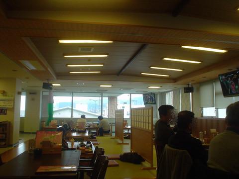 充分な広さの休憩 兼 食事施設
