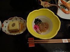 かにミソ胡麻豆腐 クラゲ