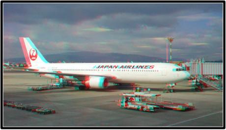 出発を待つJAL112便 JA656J(赤青めがね用立体画像)
