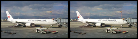 出発を待つJAL112便 JA656J(平行法用立体画像)
