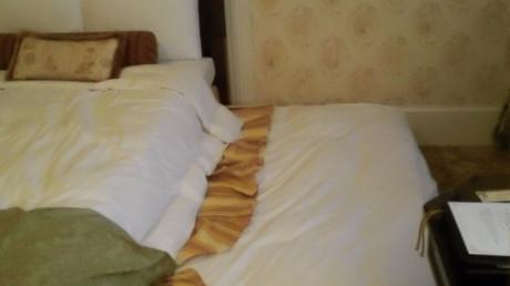 タンスのように引き出せばベッドが出てきます