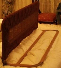 転落防止用のベッド柵が1基用意してありました