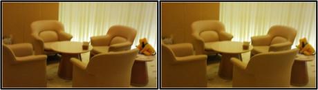 ラウンジの椅子とテーブル(平行法用立体画像)