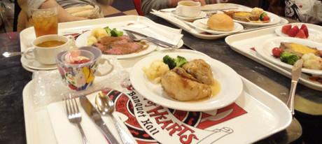 夕食はアリスのレストランで・・・
