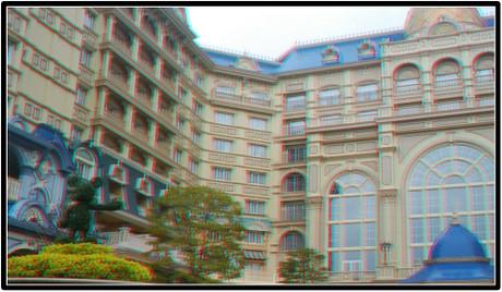 ディズニーランドホテルを後にします(赤青メガネ用立体画像)