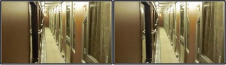 Bコンパートは扉が閉められています(平行法用立体画像)