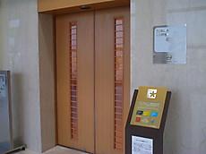 3階のサクララウンジの入口