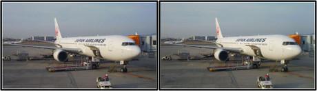 出発を待つJAL106便 JA602J(平行法用立体画像)