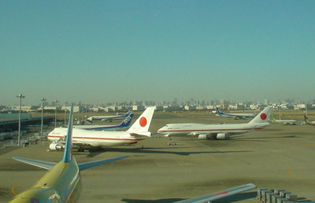 2009年2月8日羽田空港第2ターミナルから撮影(JAL許可以外の個人撮影写真です)