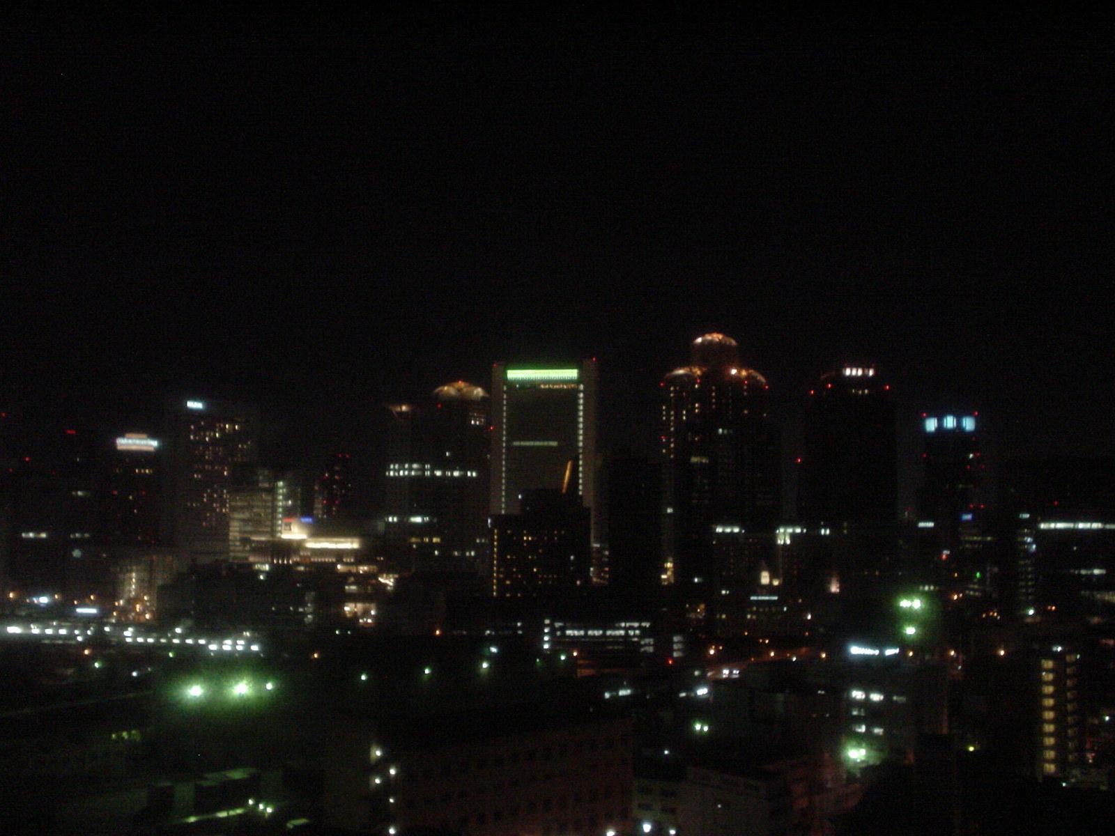窓から見る夜景