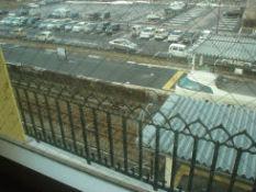 窓からは電車も見えます